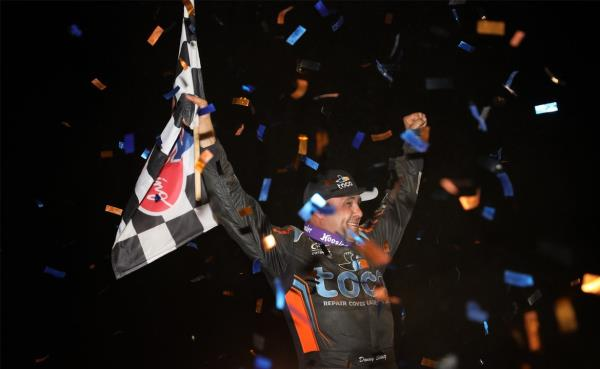 Donny Schatz Makes Late Race Pass on Bill Balog to be First World of Outlaws Winner in Nashville