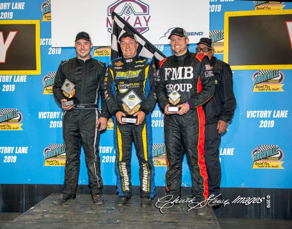 Terry McCarl One Win Short of Wolfgang at Knoxville with Saturday Night Win!