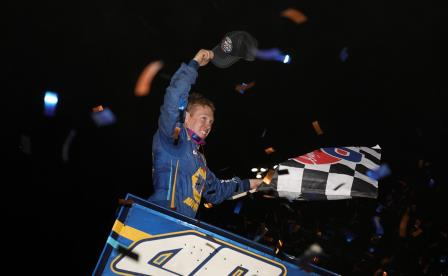 Brad Sweet won the WoO stop at Granite City Speedway Saturday and took the point lead (Dave Biro - DB3 Imaging) (Highlight Video from DirtVision.com)