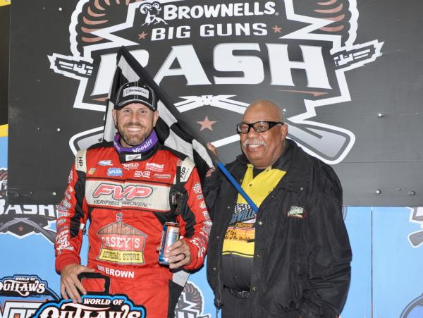 Brian Brown Thumps the Outlaws at Knoxville!