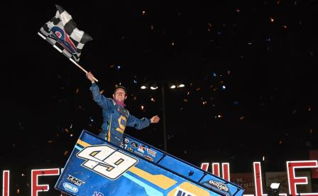 Brad Sweet won with the WoO at Lernerville Saturday (Sue Smith Photo) (Video Highlight from DirtVision.com)