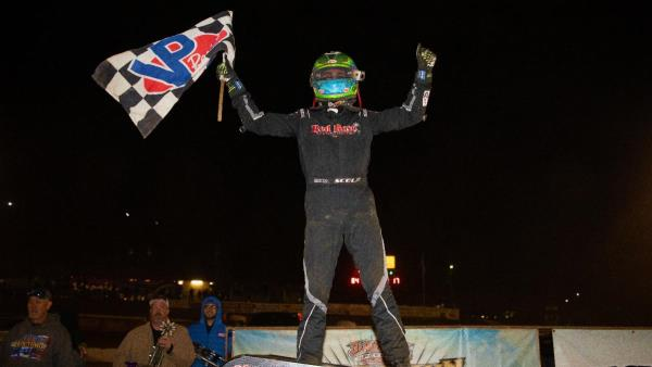 Gio Scelzi Cashes in on Night #1 of Hangtown 100