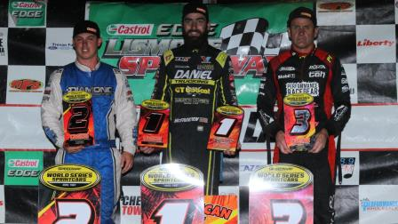 James McFadden won an exciting WSS stop at Lismore Speedway Tuesday (Video Highlights from SpeedShiftTV.com)