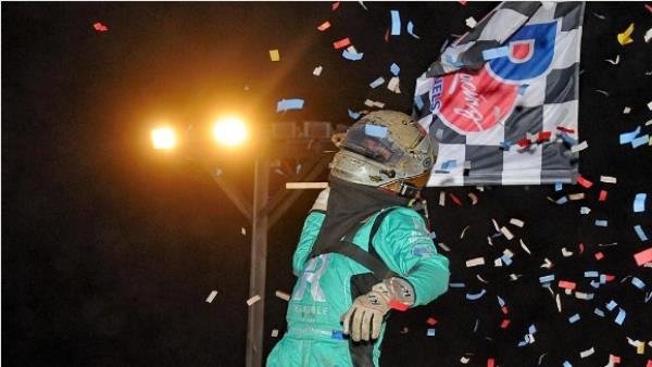 Tanner Thorson Surges from 3rd to 1st to Win Western World Midget Opener