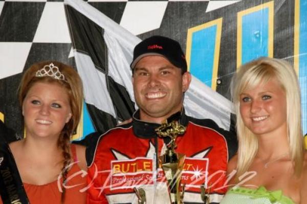 Maeschen Breaks Through for First Knoxville Win!