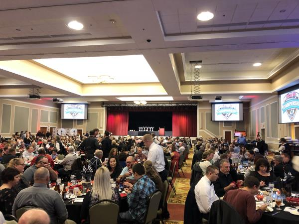 Over $250,000 in Cash and Contingencies Handed Out at 2017 Knoxville Raceway Banquet!